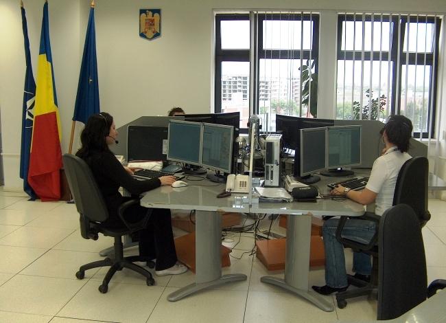 operatoarele 112 la birouri