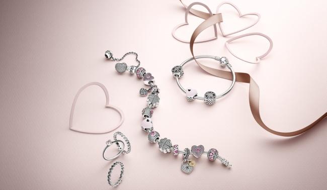 ziua indragostitilor pandora bijuterii