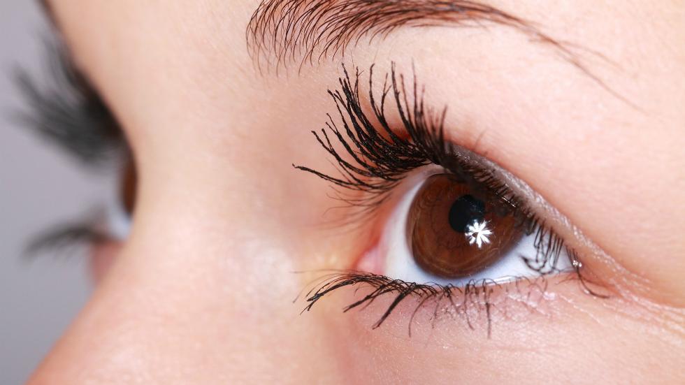 îmbunătățește vederea prin exercițiu)