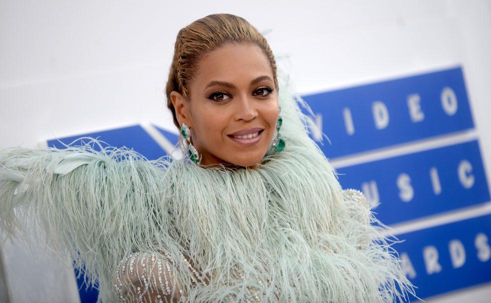 Beyonce la MTV Video Music Awards 2016