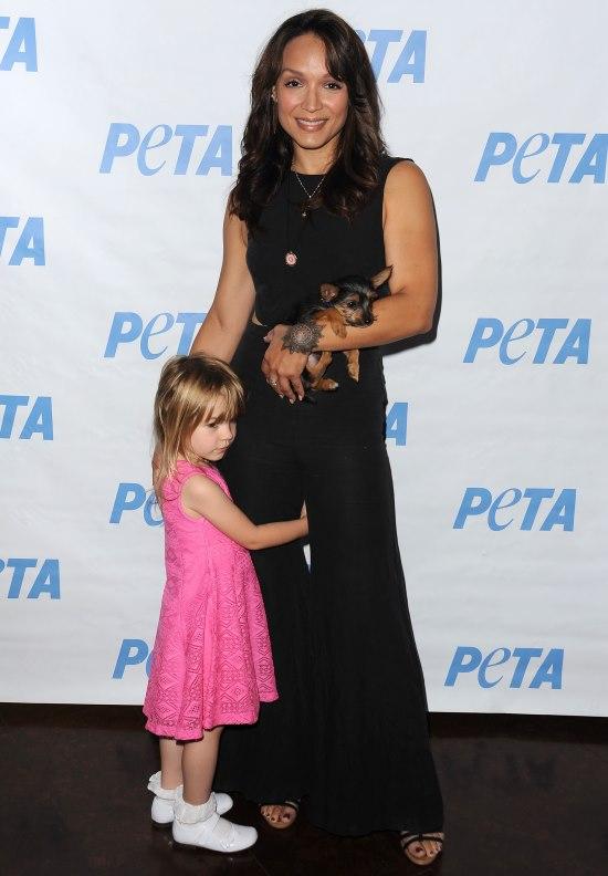 Mayte Garcia si fiica ei, Gia