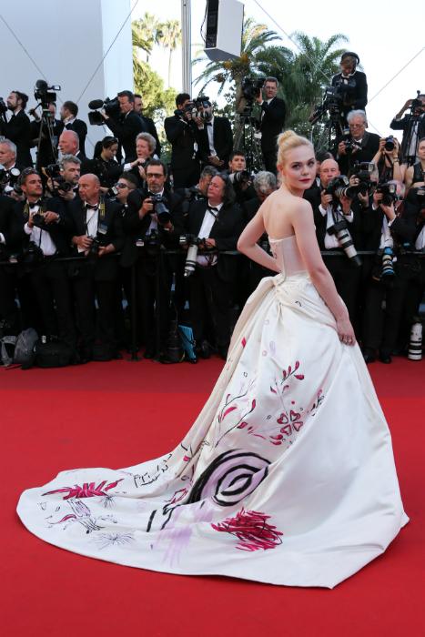 Cele mai frumoase rochii de la Cannes 2017 - Elle Fanning
