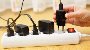 5-aparate-electronice-care-consuma-curent-i