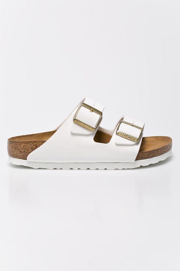 Papuci versatili