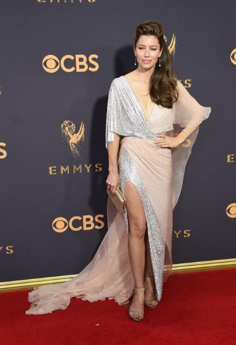 Jessica Biel la premiile Emmy 2017