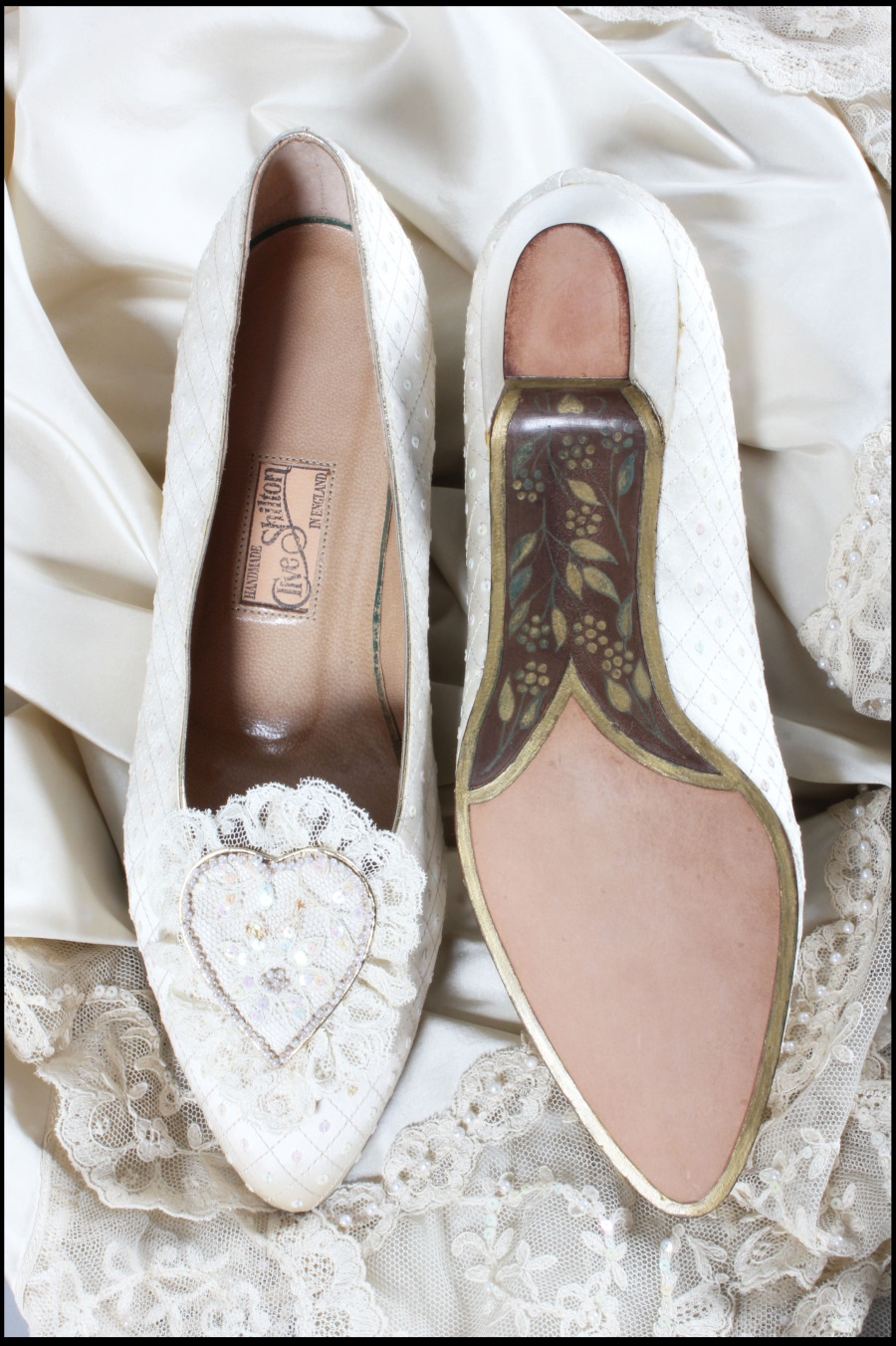 Pantofii de mireasa ai Printesei Diana