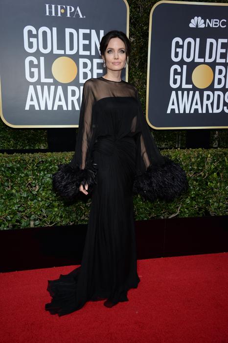 Angelina Jolie #TimesUp Globurile de Aur