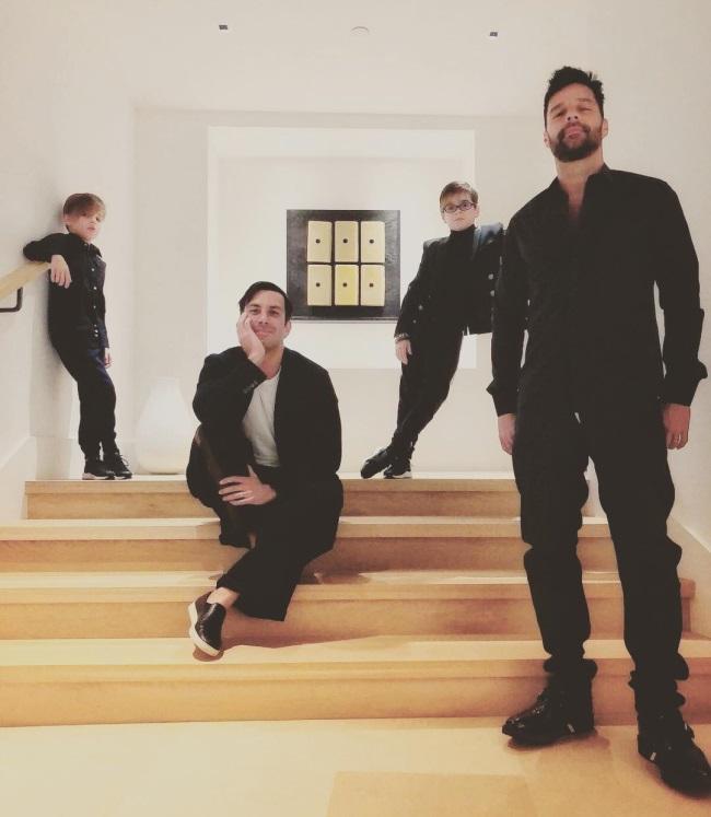Ricky Martin alături de soțul său și cei doi copii