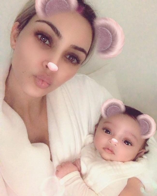 Kim Kardashian si fiica sa, Chicago