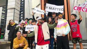 matteo-este-regele-fanilor-sai-din-asia