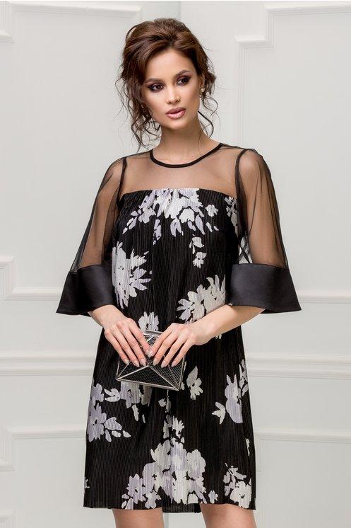 Modele de rochii cu imprimeuri florale-rochie de ocazie neagră cu flori albe
