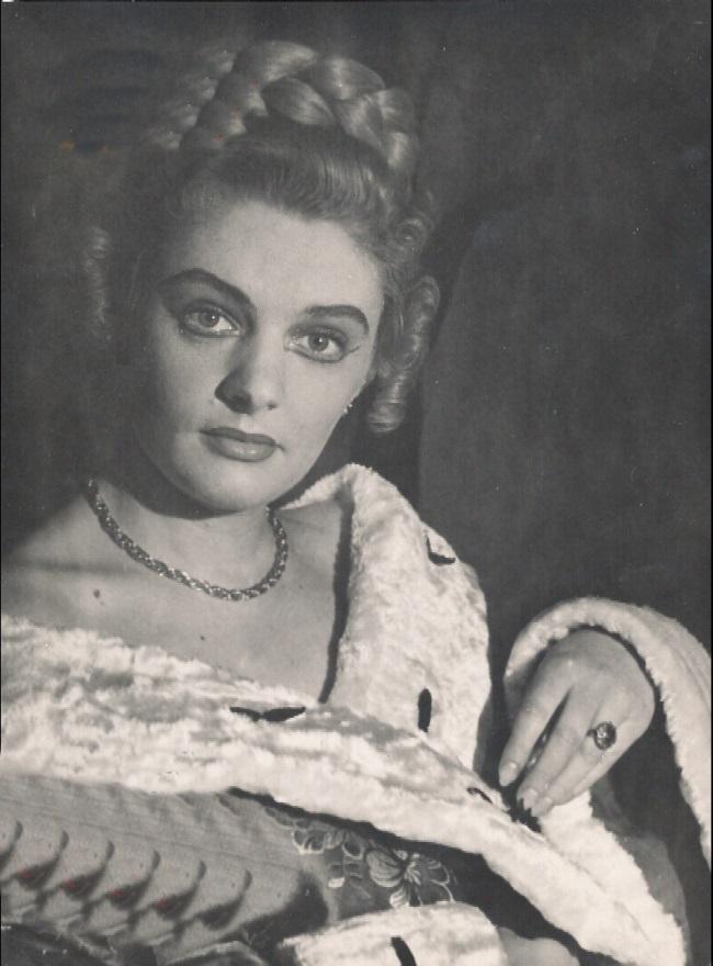 Ileana Stana Ionescu in tinerete