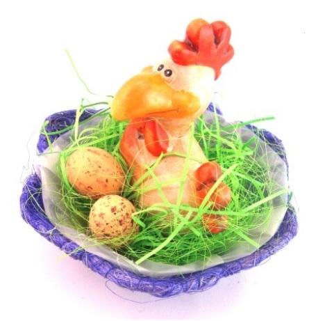 Decorațiuni de Paște-coș cu găinușă de Paște