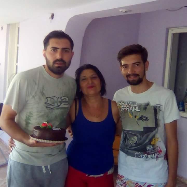 Cosmin, Adi și mama lor