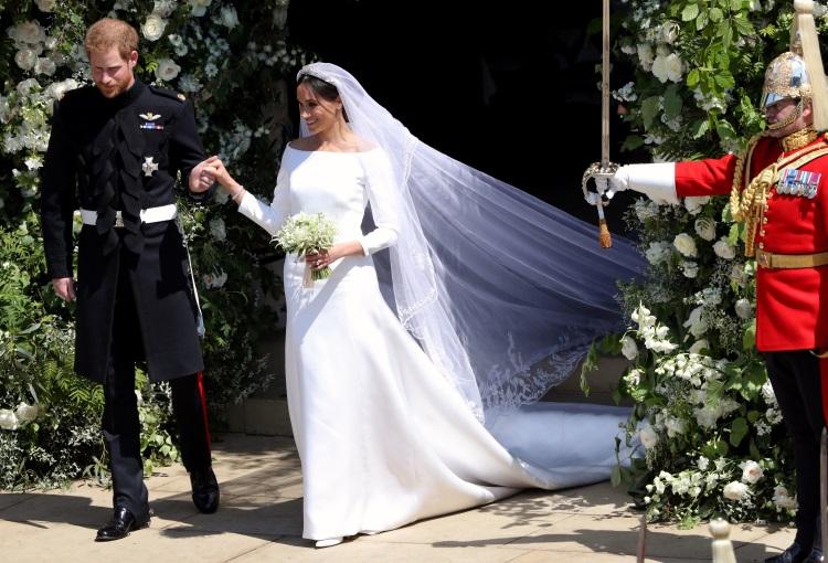 Katy Perry a criticat rochia de mireasă purtată de Meghan Markle