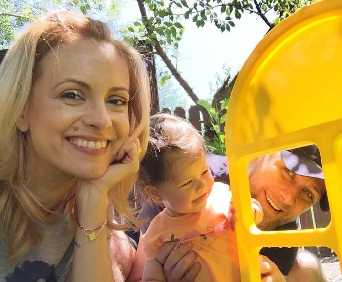 Simona Gherghe si familia