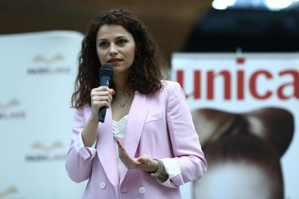 Psihoterapeutul Ștefania Voia vorbind despre dezvoltare personală.