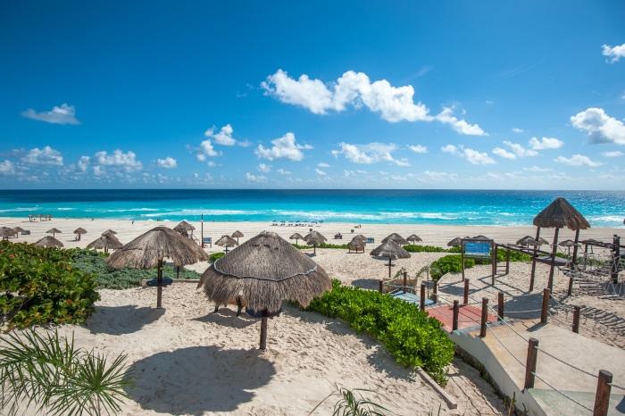 Plaja in Cancun, Mexic