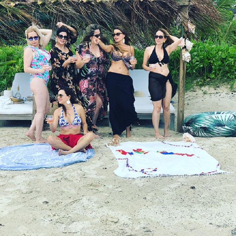 sofia vergara pe plaja