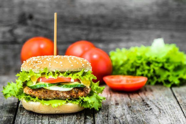 9 alimente care te ajută să slăbești