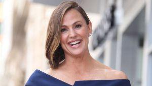 jennifer-garner-recompensata-cu-o-stea-pe-hollywood-walk-of-fame-foto