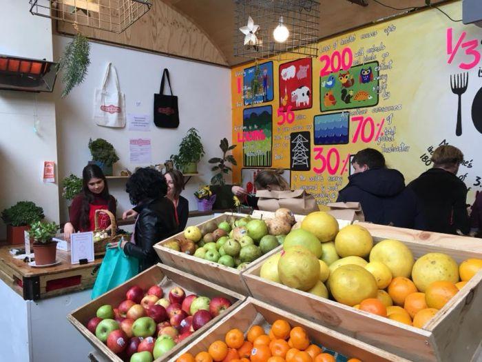 S-a deschis primul supermarket unde nu există prețuri. Unde se află și cum pot fi achiziționate produsele