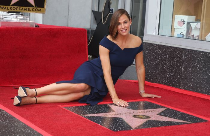 Jennifer Garner, recompensată cu o stea pe Hollywood Walk of Fame FOTO