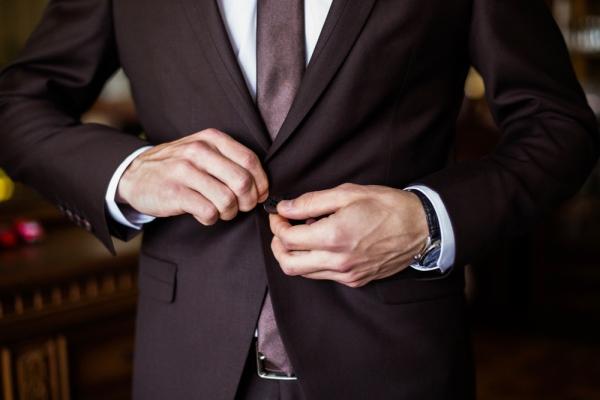 5 sfaturi utile care te vor ajuta să alegi ținuta potrivită de nuntă