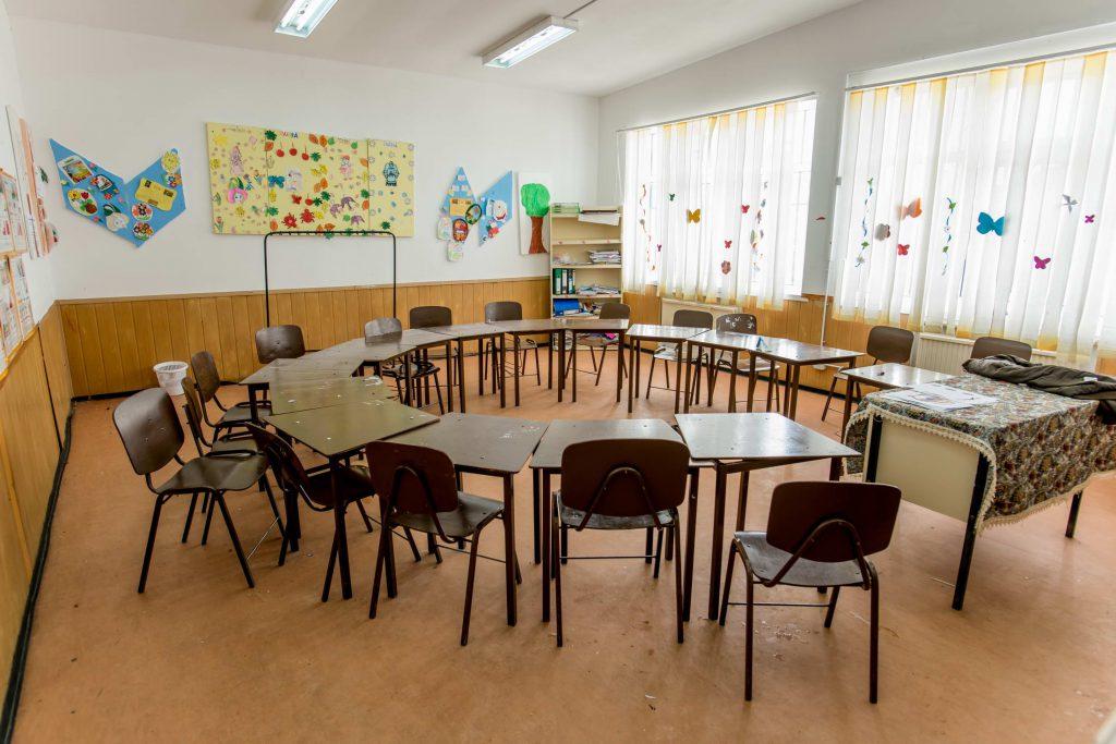 (P) P&G şi designerul Adela Pârvu au transformat o sală de clasă în a doua casă pentru copiii din Rași, Ialomiţa