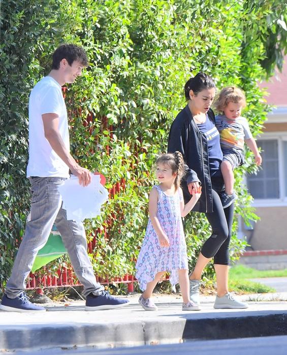 Ashton Kutcher si Mila Kunis