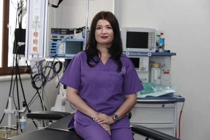 Doctor CarmenConstantin, specialist în chirurgie plastică și estetică.