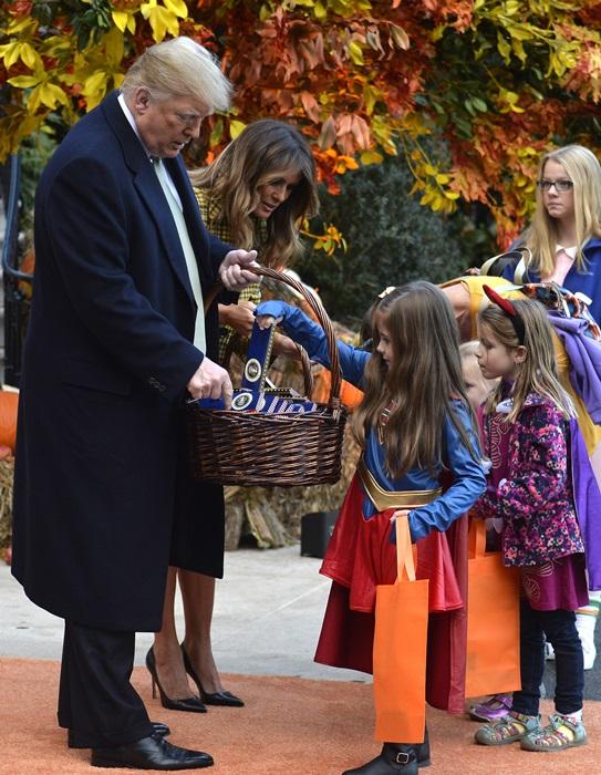 Donald Trump ofera dulciuri