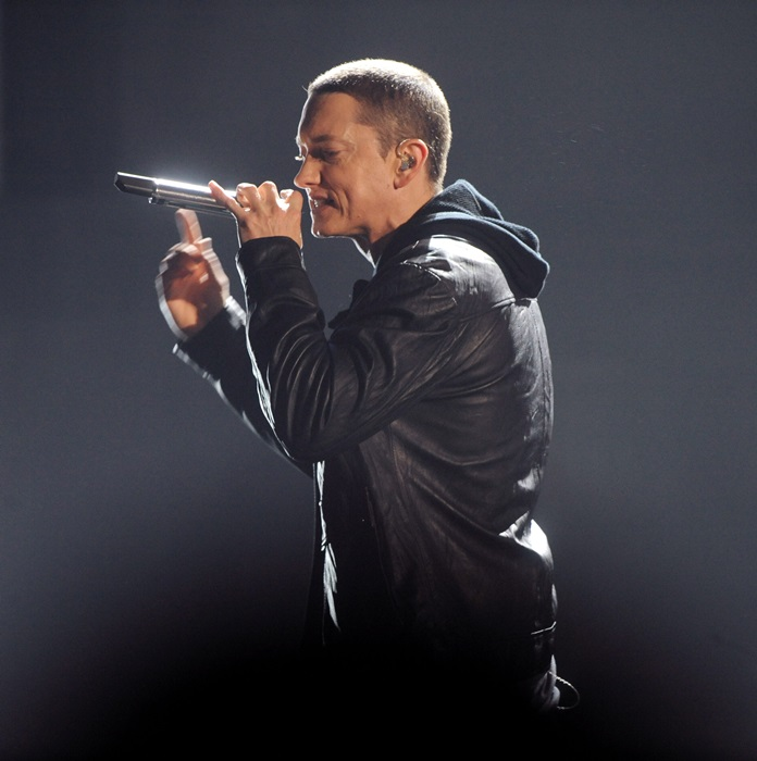 Cantaretul Eminem