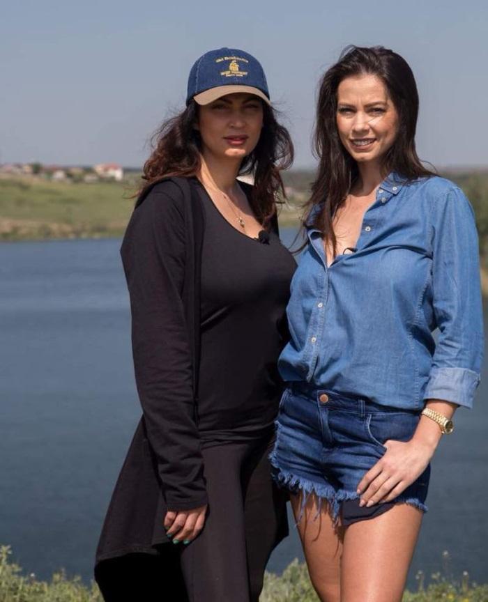 Nicoleta Luciu si sora sa, Iuliana Luciu