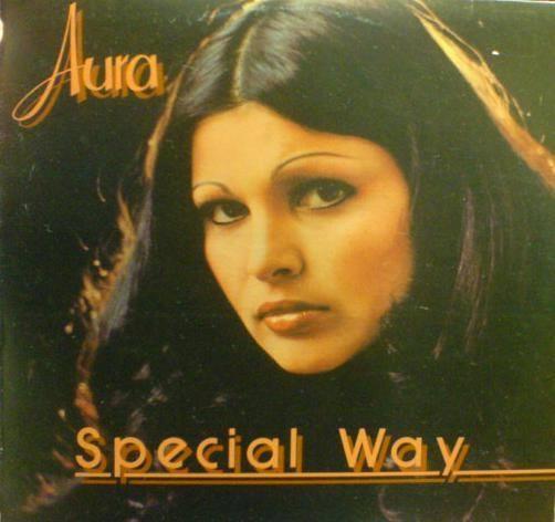 Aura Urziceanu in tinerete
