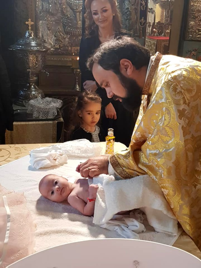 Camelia Potec și-a creștinat fetița. Cine au fost nașii. FOTO