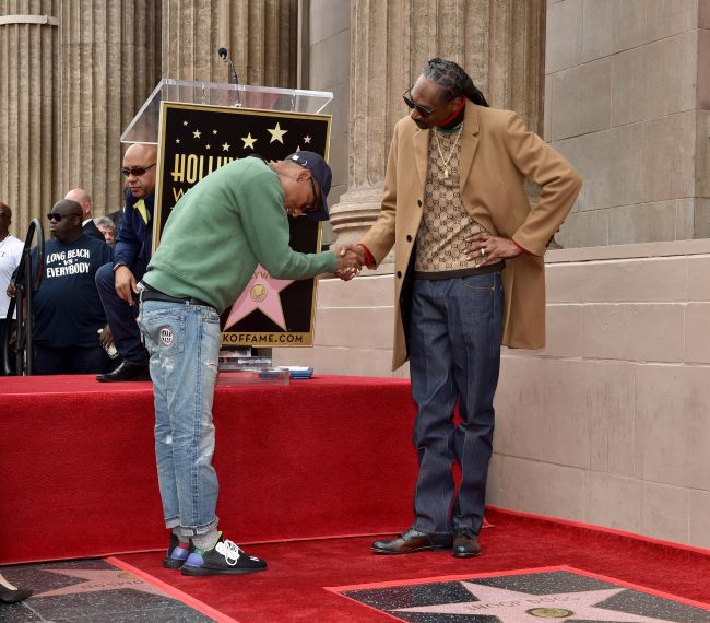 Snoop Dog a primit o stea pe Hollywood Walk of Fame
