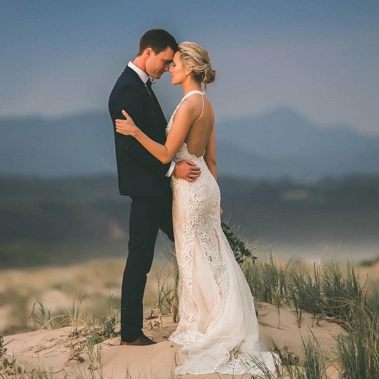 Jolandi le Roux și soțul ei, Andrew s-au casatorit pe plaja