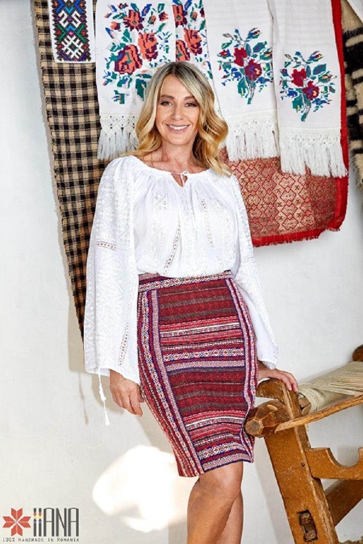 Nadia Comaneci, costum popular, IIANA