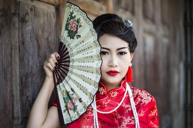 Femeie din China