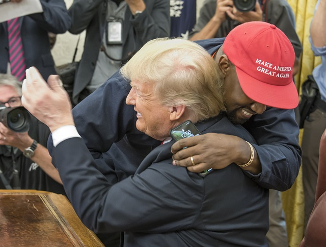 Kanye West si Donald Trump