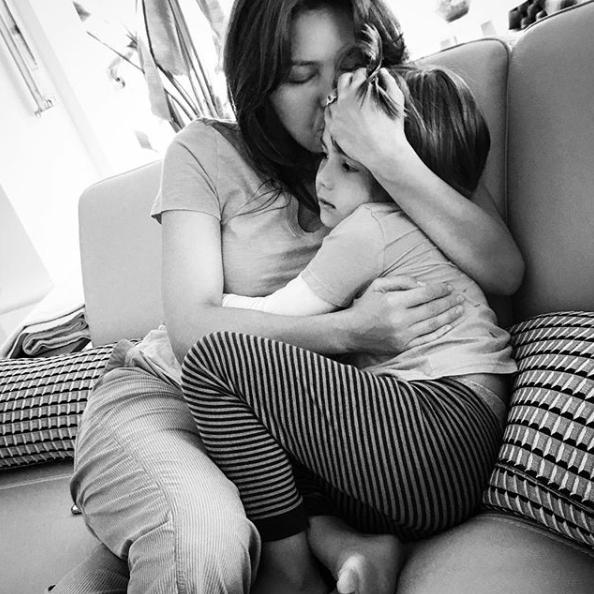 Thalia si fiul ei
