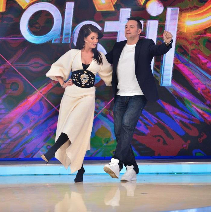 Daniel Buzdugan si Ilinca Vandici la Bravo, ai stil