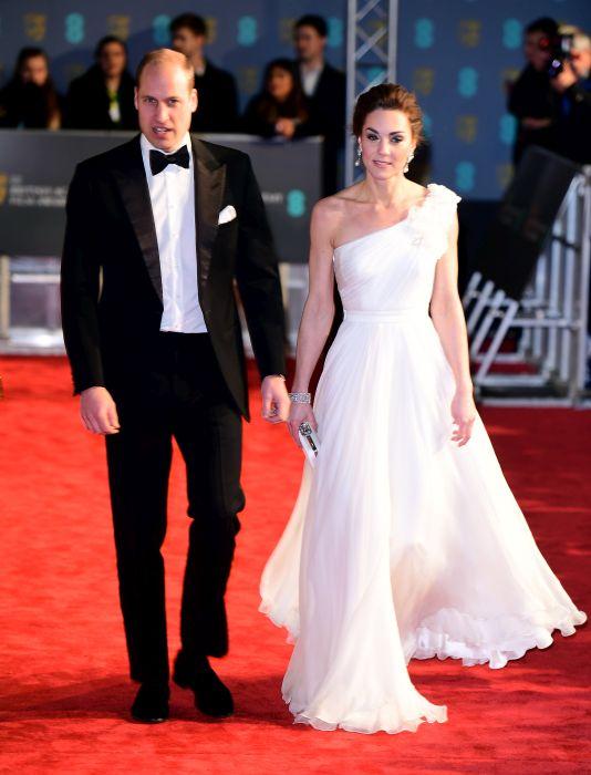 Kate Middleton, strălucitoare pe covorul roșu al premiilor BAFTA 2019