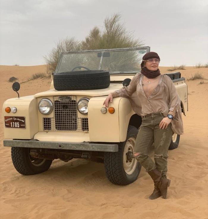 Loredana, vacanță în Dubai alături de fiica sa, Elena. FOTO