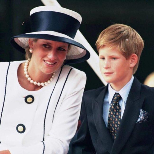 Prințul Harry a vrut să meargă să ridice trupul Prințesei Diana din Paris, însă Charles a refuzat