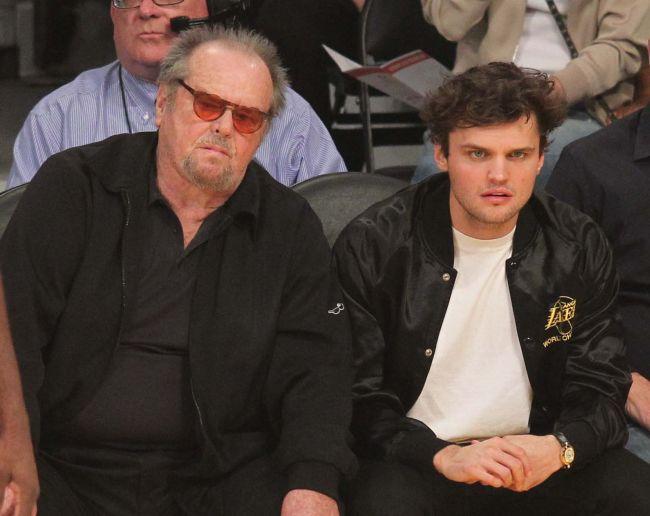 Jack Nicholson, de nerecunoscut, într-o apariție rară în public
