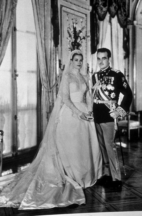 Rochia de mireasă a lui Grace Kelly este considerată cea mai stilată și mai frumoasă din istorie
