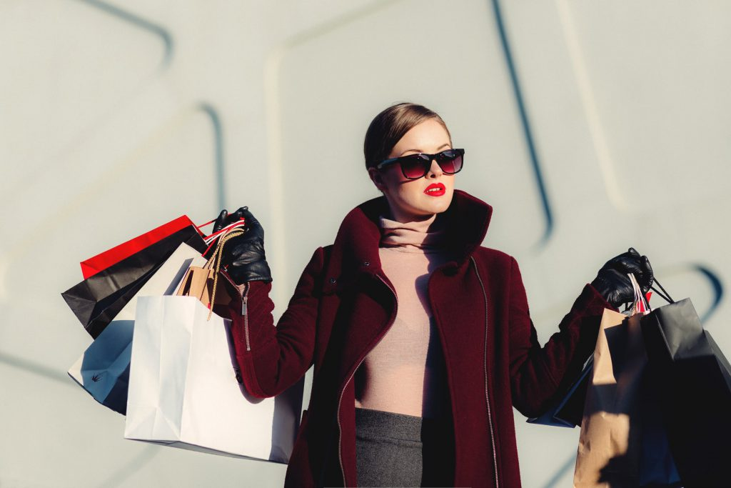 (P) 5 lucruri pe care femeile independente ar trebui să le facă în luna APRILIE