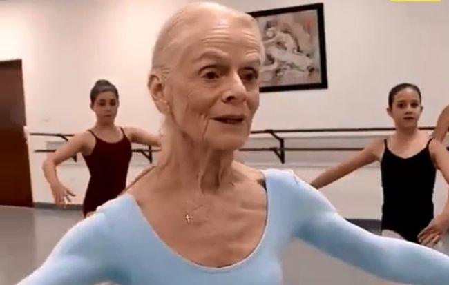 Balerină la 78 de ani. Suzelle Poole, femeia care inspiră tinerii să își urmeze visurile